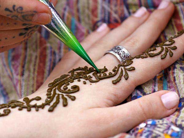 17-mehandi-beauty-tips3-600